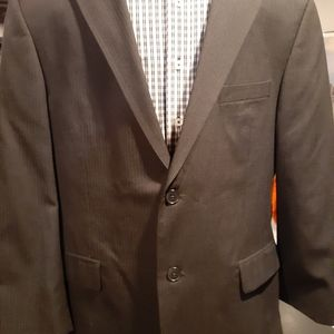 NWOT Men Suit by Fumagalli 42S. NWOT